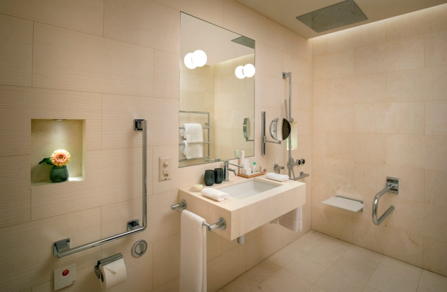 waldhotelrehabbathroom